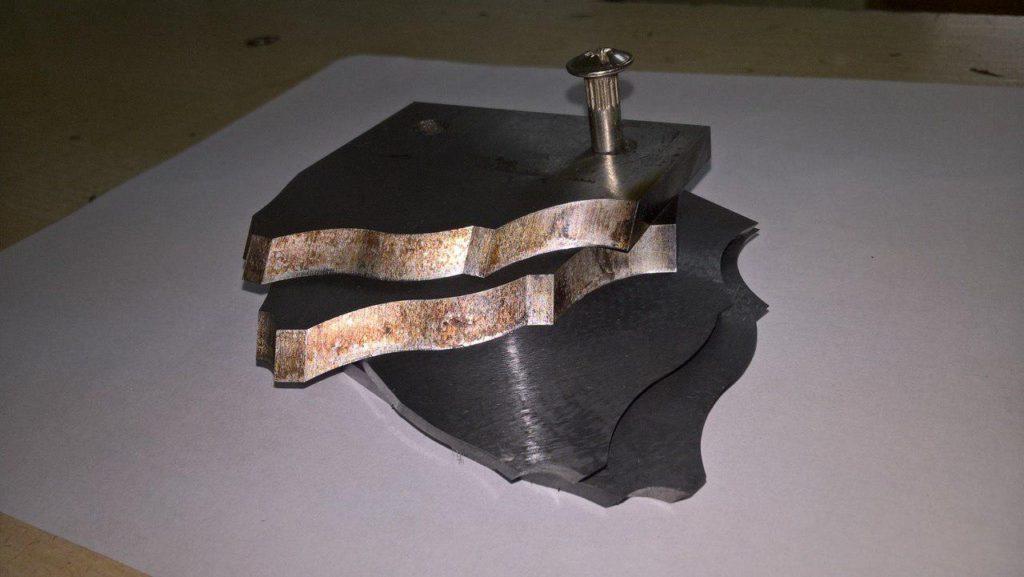 заточка профильных ножей по дереву для производства профильного погонажа.
