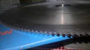 Заточка отрезных фрез HSS по металлу
